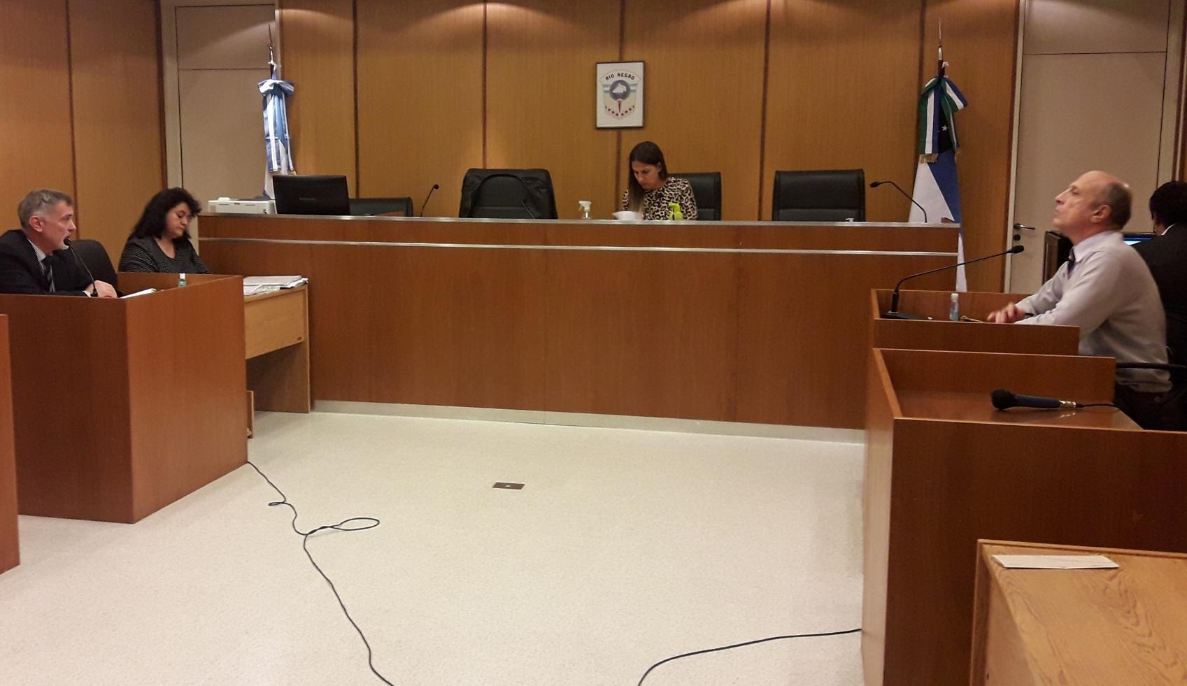 Formulan cargos contra una pareja por la muerte de una niña