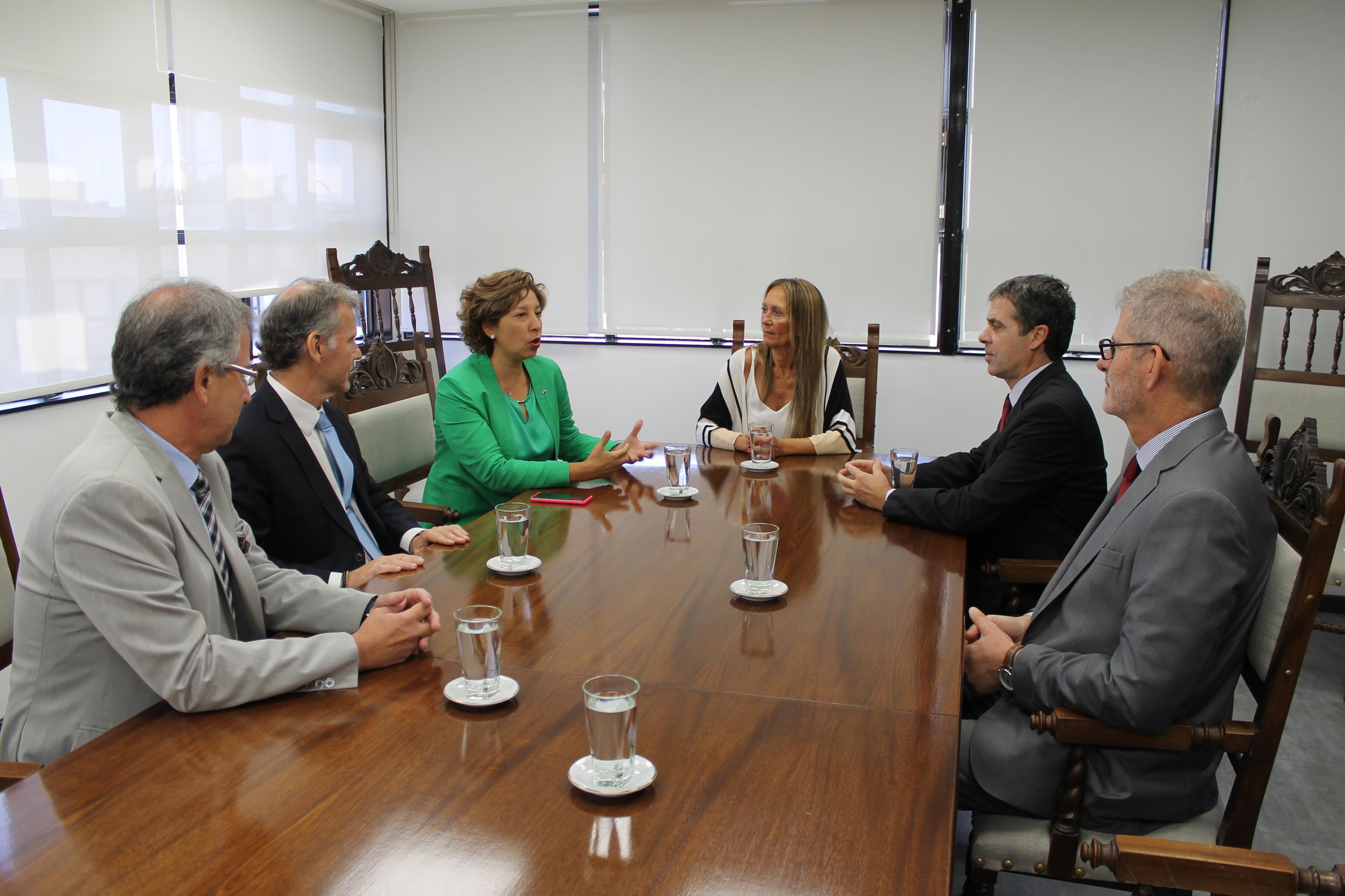 La gobernadora se reunió con el STJ y el Procurador: abordaron políticas de género y menores en conflicto con la ley
