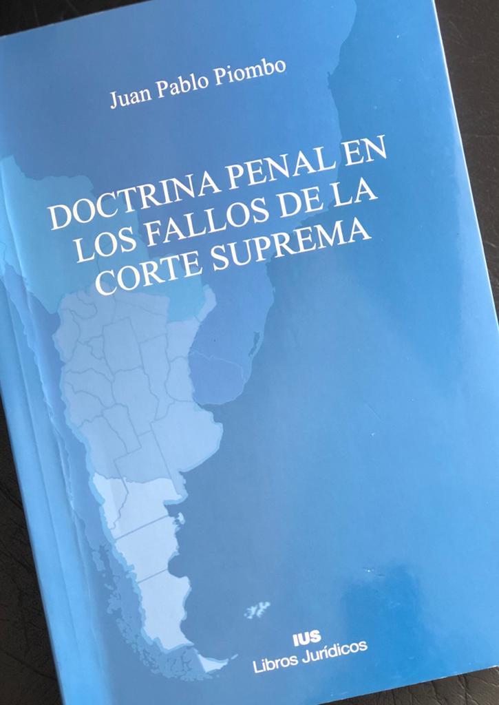 Defensor oficial publica libro sobre Doctrina penal